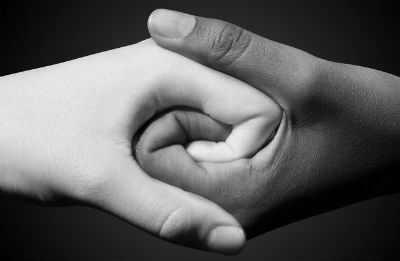 blanc-noir-mains